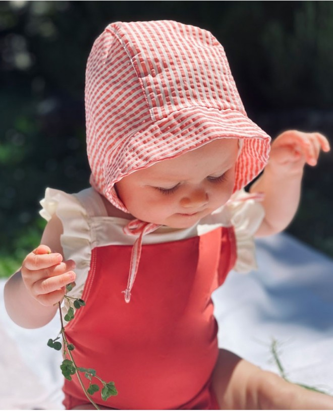 Sun protective hat for boy, girl, children, kid and baby in grenada red by Canopea