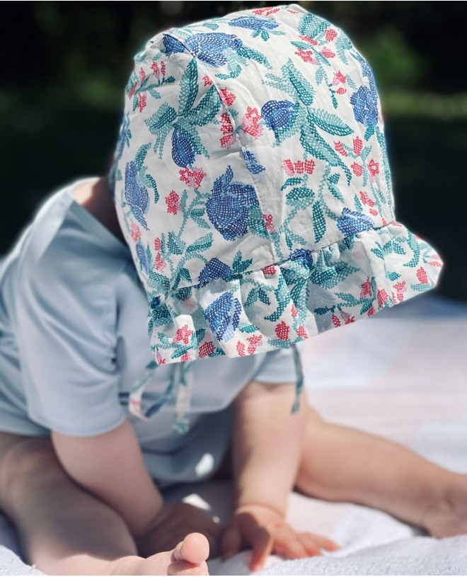 Sun protective hat for baby girl in Liberty print by Canopea