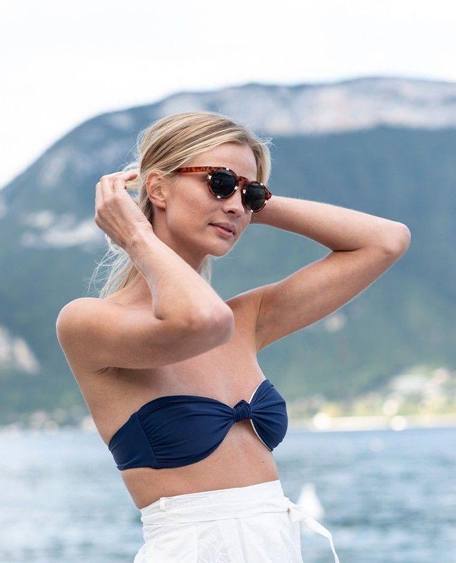 Maillot de bain anti-UV femme LEIA blanc et bleu myrtille de Canopea