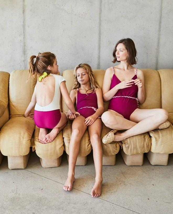 Maillot de bain une pièce anti-uv pour fille PRISCA en rouge prune de Canopea