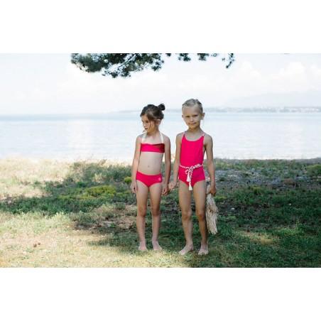 Fille portant un bikini anti UV Sienna de Canopea