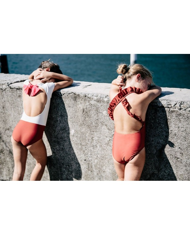 girls wearing sun protective swimwear by Canopea