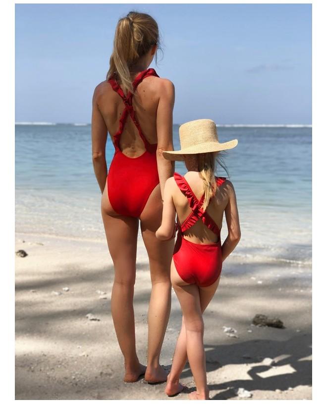 Maillot de bain une pièce anti-uv rouge Fragola pour femme, mère et fille de Canopea