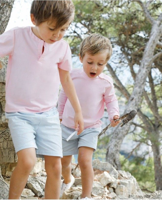 Garçons portant un t-shirt anti UV Canopea rose Dragee