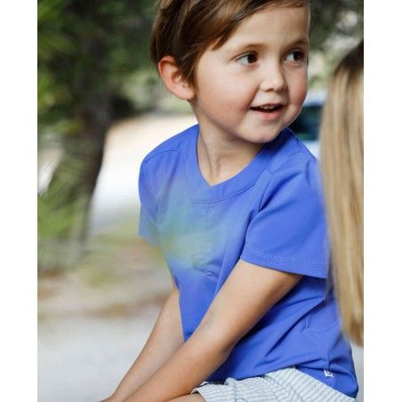 Garçon portant un t-shirt anti UV Canopea bleu Indigo